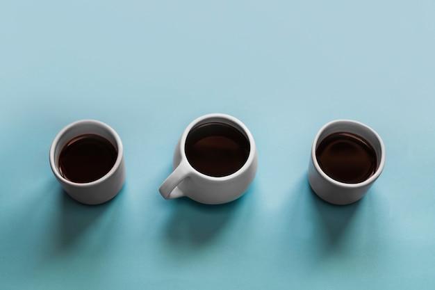 Três xícaras de café