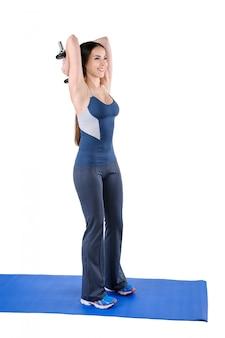 Triceps em pé alongamento dumbbell workout