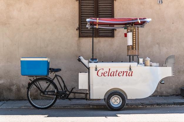 Triciclo de sorvete móvel
