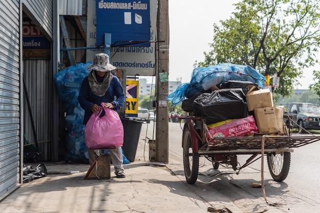 Triciclos de carga (saleng, zaleng) compram item não utilizado
