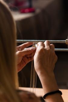 Tricotando mini tapetes na máquina