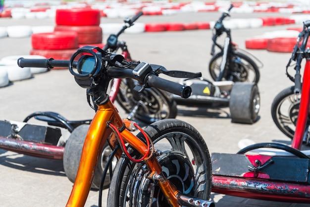 Trike motorizado de tração, kart elétrico