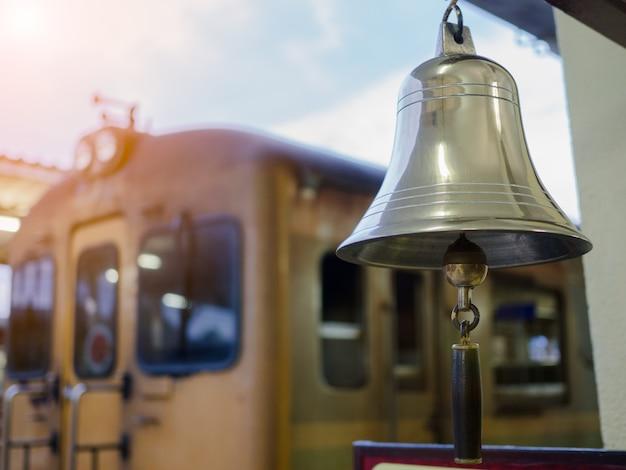 Trilho de bell na estação de trem