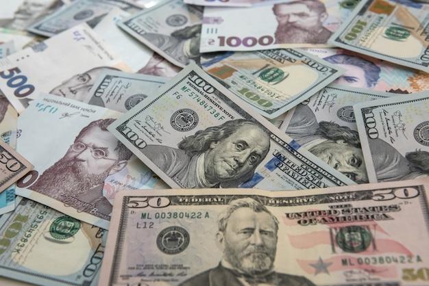 Troca do conceito de dinheiro. dolla para contas uah gryvna. dinheiro