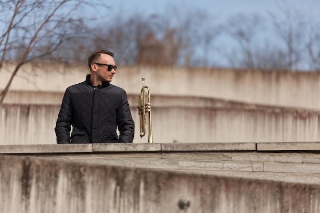 Trompetista, jogador, ficar, urbano, meio ambiente