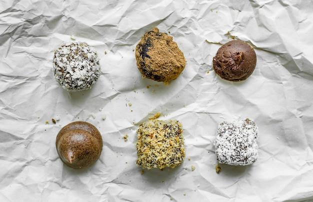 Trufa de chocolate artesanal, vista superior.
