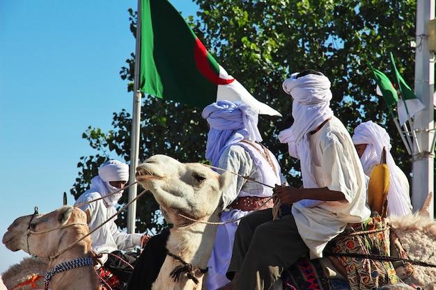 Tuaregue em camelo, argélia