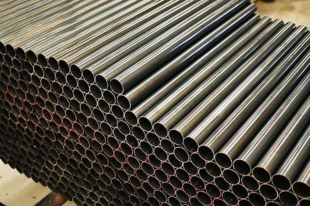 Tubo de aço cilíndrico