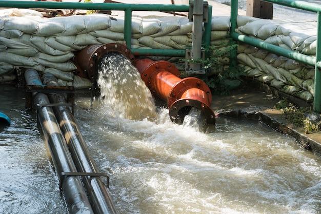 Tubo de águas residuais