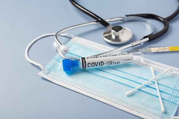 Tubos de ensaio com cotonete para nasofaringe