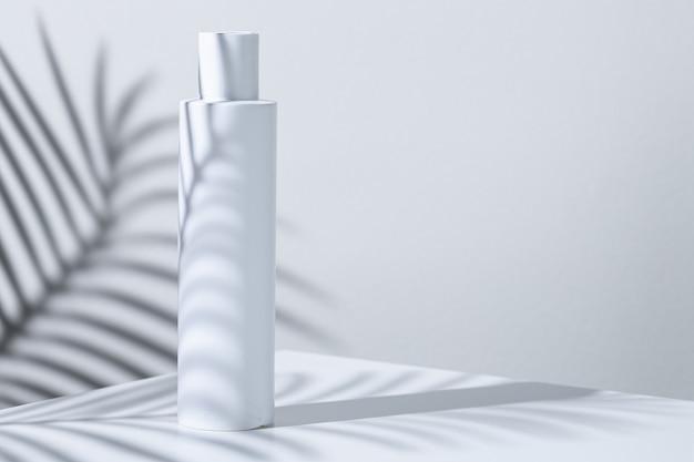 Tubos de plástico branco para a pele em um fundo de sombra de planta tropical
