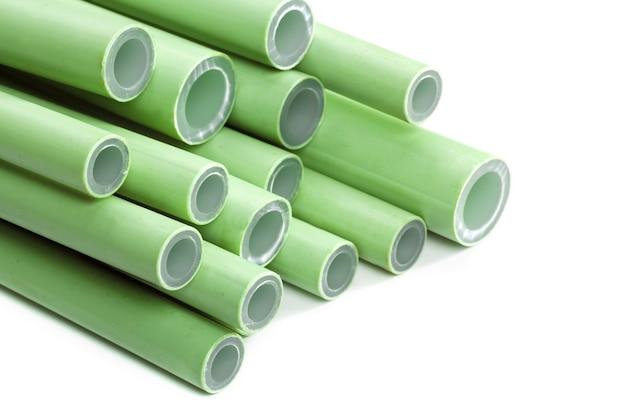 Tubos de plástico verdes