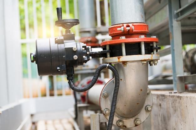 Tubulação de água na estação de tratamento de água