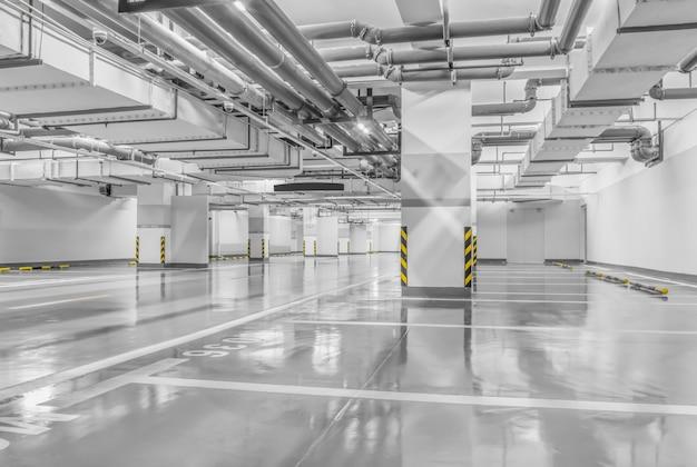 Tubulação veículo concreto garagem de transportes