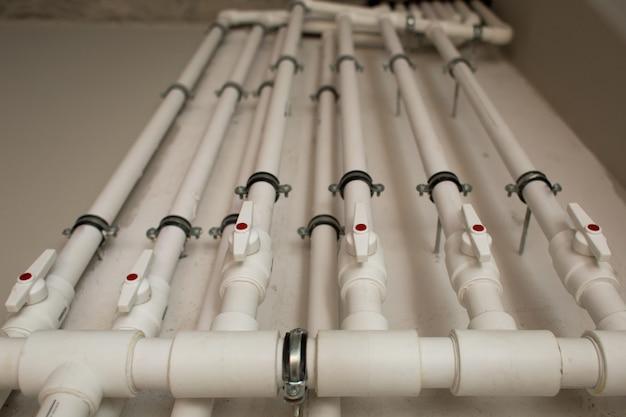 Tubulações de água no subsolo