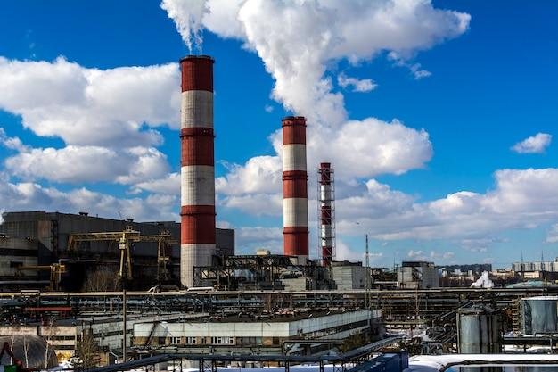 Tubulações de fábrica e território de fábrica