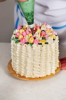 Tulipas de decoração do bolo