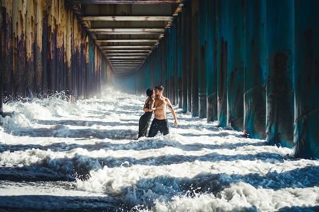 Túnel de água, inundação, grande onda