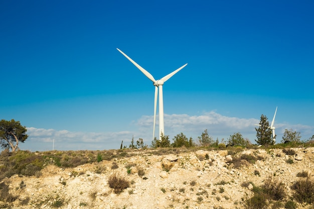 Turbina eólica para energia alternativa. conceito de energia ecológica.