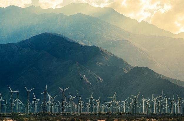 Turbinas eólicas do deserto da califórnia