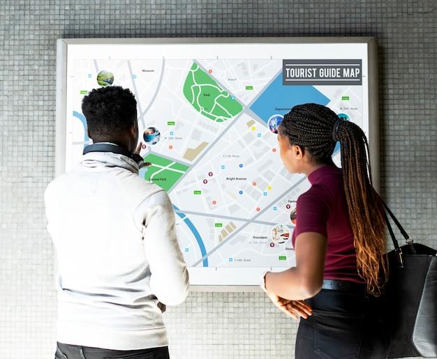 Turistas, olhar, guia, mapa