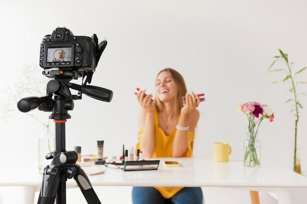 Tutorial de filmagem de vista frontal para maquiagem