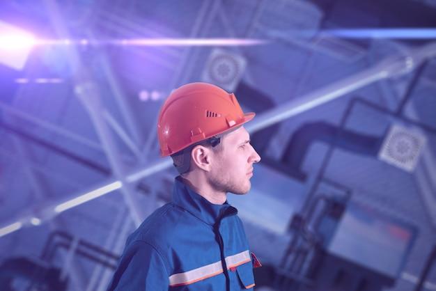 Um arquiteto no local de construção, tecnologia da indústria
