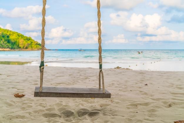 Um balanço na praia