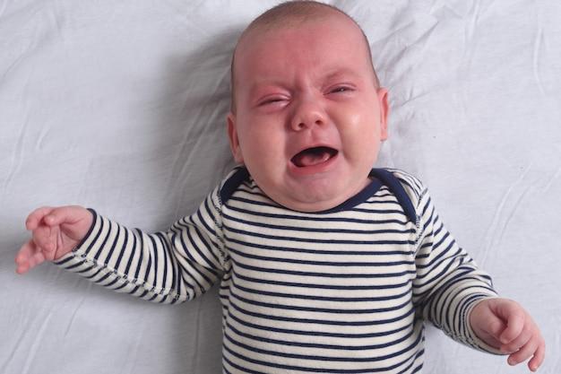 Um bebê que chora inconsolavelmente