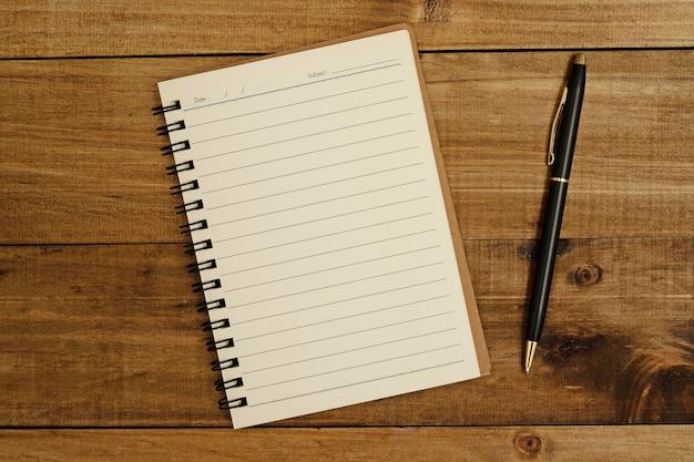 Um caderno para registrar informações importantes
