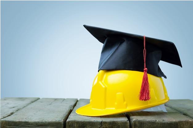 Um conceito de comerciante desenvolvendo suas habilidades por meio da conclusão bem-sucedida de uma educação adequada.