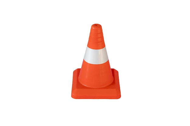 Um cone de tráfego simples isolado, construção de segurança abstrata na estrada rodoviária