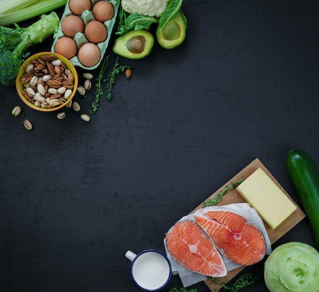 Um conjunto de produtos da alimentação saudável e equilibrada