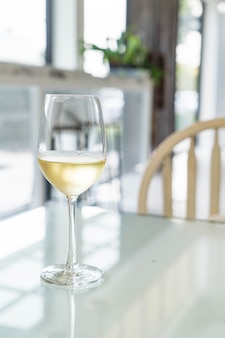 Um copo de vinho que acendeu