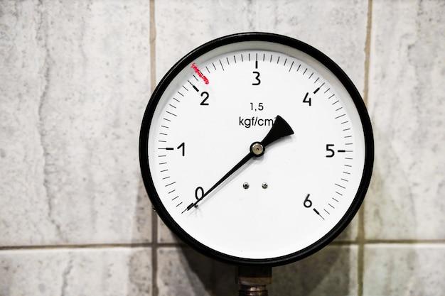 Um dispositivo para medir a pressão do manômetro de gás, água ou vapor manômetro de alta pressão