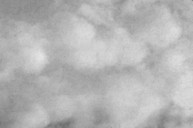 Um fundo de nuvem macia, céu azul com nuvem em preto e branco