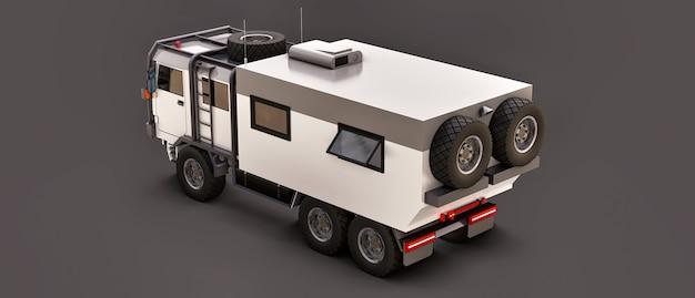 Um grande caminhão branco sobre um fundo cinza, preparado para expedições longas e difíceis em uma área remota. caminhão com uma casa sobre rodas. ilustrações 3d.