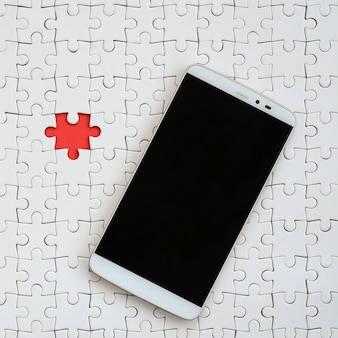 Um grande smartphone moderno com tela sensível ao toque