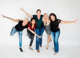 Um grupo de mulheres felizes