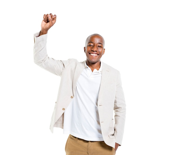 Um homem alegre casual alegre comemorando
