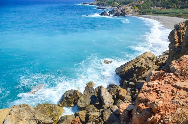 Um lugar onde a costa encontra o mar azul
