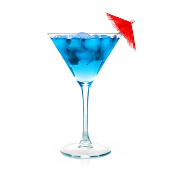 Um martini cocktail azul