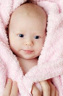 Um mês de idade bebê