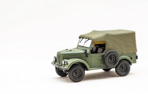 Um modelo em miniatura de um carro russo