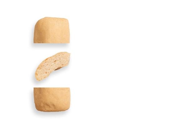 Um pão sem glúten diferente, layout minimalista criativo, conceito de comida saudável