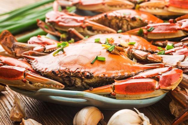 Um prato de caranguejo fresco de redspot
