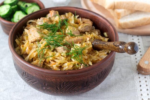 Um prato tradicional feito de repolho