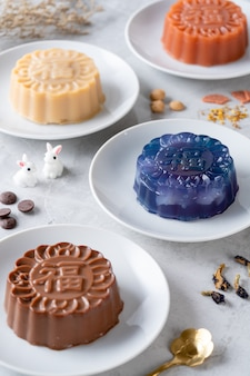 Um pudim mooncake é um produto de padaria chinesa tradicionalmente comido durante o festival do meio-outono