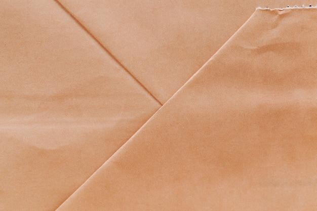 Um saco de papel feito de papel reciclado