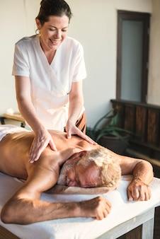 Um, sênior, tendo, um, massagem
